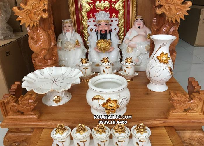 bàn thờ thần tài có 3 ông màu trắng đẹp tại hcm