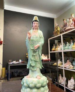 tượng quan âm bồ tát đứng xanh ngọc vẽ hoa 3d đẹp tại hcm