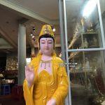 tượng quan âm bồ tát đứng bằng đá vàng hổ phách đẹp