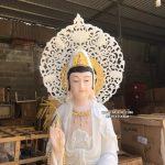 tượng quan âm bồ tát đứng trắng có hào quang đẹp
