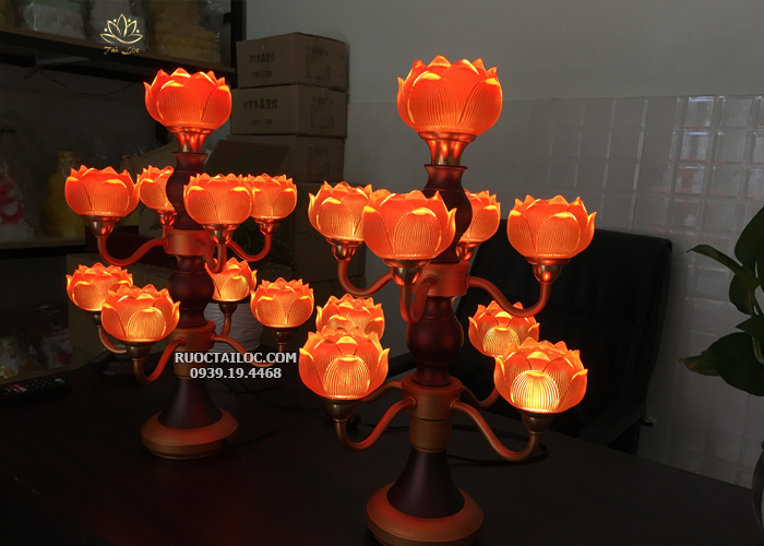 cặp đèn thờ cúng 9 bông lưu ly thân cổ siêu đẹp