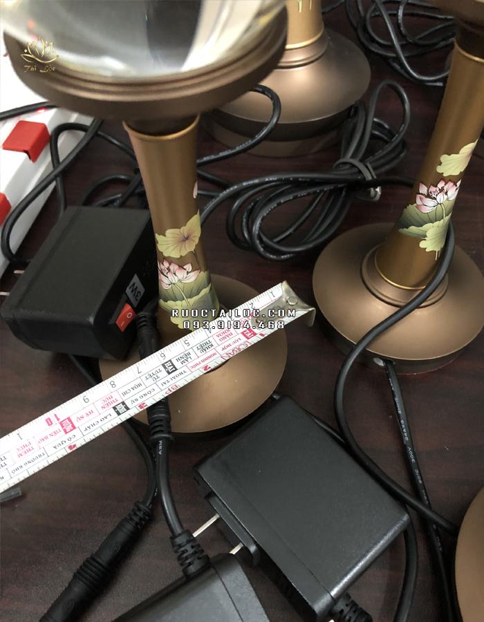 đèn đồng cao 20cm ngang đế 8 cm