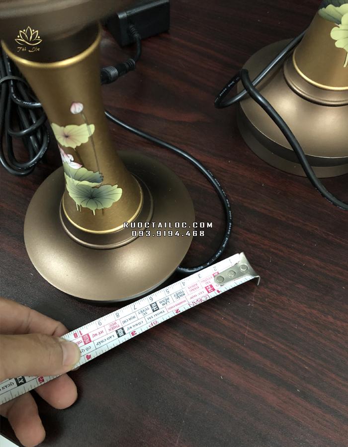 đèn đồng cao 25cm ngang đế 10cm