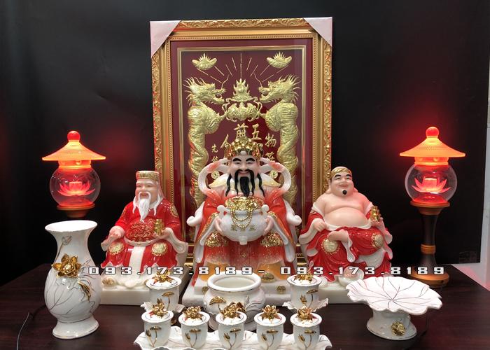 nên bài trí bàn thờ thần tài 3 ông như thế nào