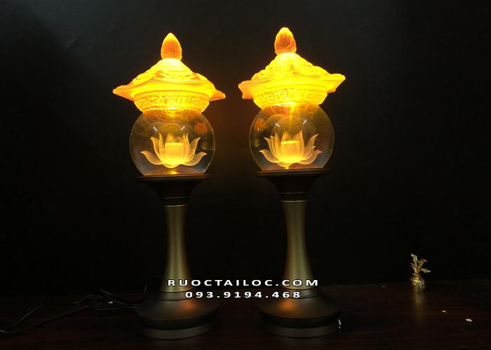 đèn thờ cúng thân đồng nắp lưu ly đẹp