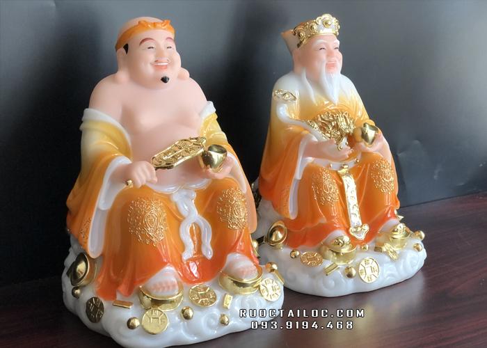 Tượng Ông Địa Thần Tài bằng đá cẩm thạch màu vàng vân mây có họa tiết viền vàng tinh tế